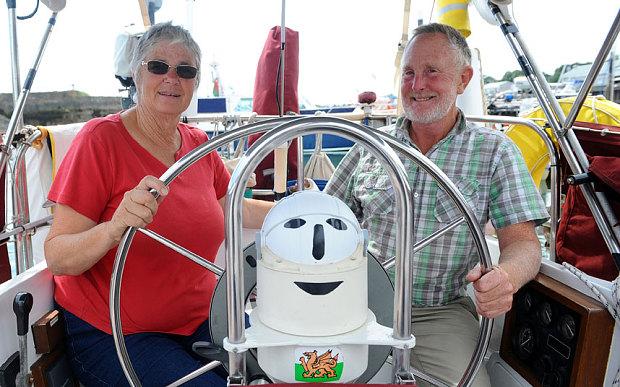 O incrível casal que saiu para velejar e só voltou 16 anos depois