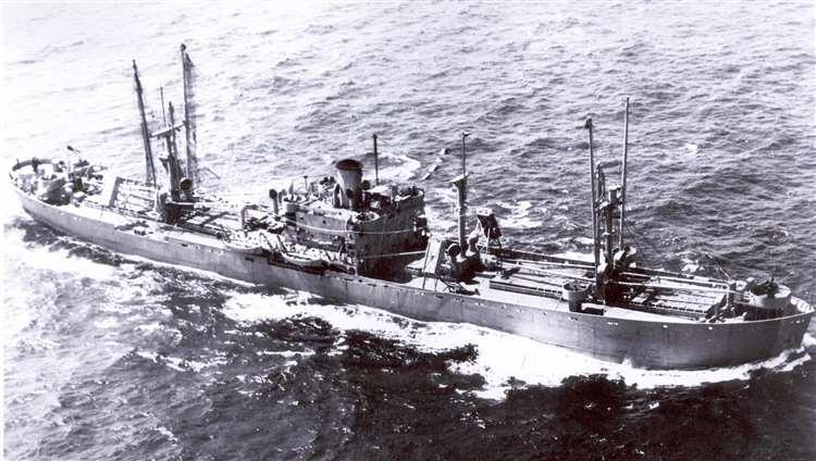 O navio-bomba que aterroriza a Inglaterra até hoje