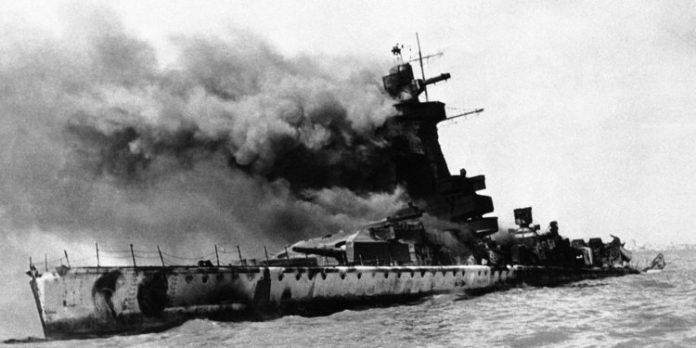O comandante que destruiu o próprio navio e virou herói por isso