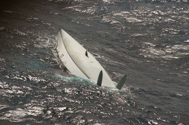 O som que salvou a vida do velejador no barco capotado