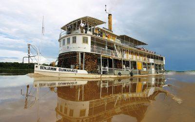 O último barco a vapor do Brasil agoniza e apodrece em Minas