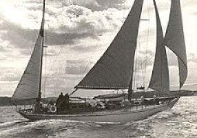 A glória e decadência do primeiro veleiro de regatas oceânicas que o Brasil teve