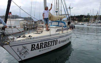 O português que está navegando para recriar uma curiosidade histórica