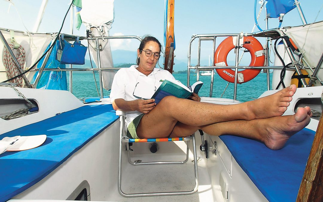 As dicas de quem mora num barco para ajudar quem está confinado em casa