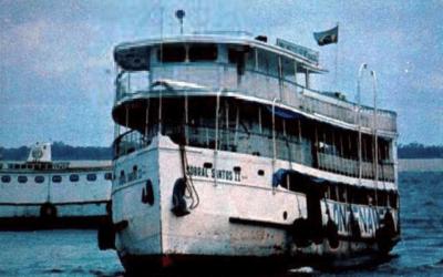 O barco que assombra a Amazônia até hoje
