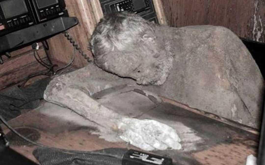 O velejador que virou múmia no mar